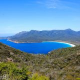 Tasmania-Wineglas-bay-beach-2